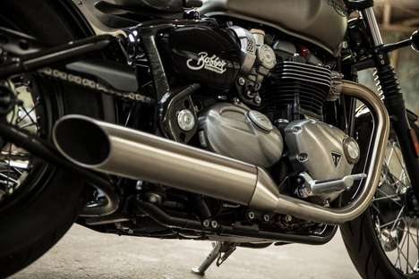 Triumphant Bobber Motorbikes - The Bonneville Bobber Offers Retro Styling & High-Powered Performance