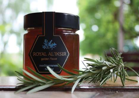 Premium Flavored Honey Pots - These Luxury Honeys Include Unusual Flavor and Ingredients