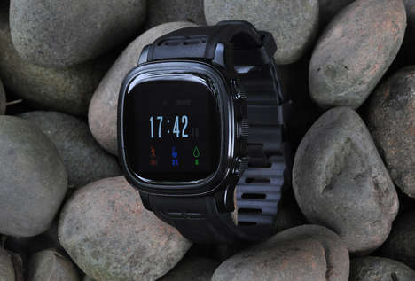 Outdoor Walkie-Talkie Watches - StarVox is a Smartwatch That Features a Walkie Talkie Function