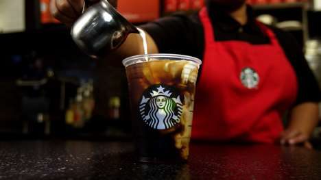 Spiced Cold Brew Coffees - Starbucks' New Spiced Sweet Cream Nariño 70 Cold Brew is a Festive Option