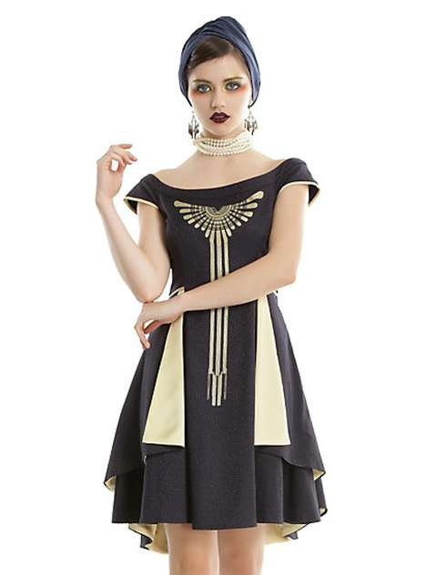 Vintage Movie-Inspired Apparel - Hot Topic's Fantastic Beasts Clothing Line Feature 1920s Styling