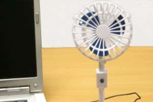 Miniature USB Fan Channels Old-School Coolers