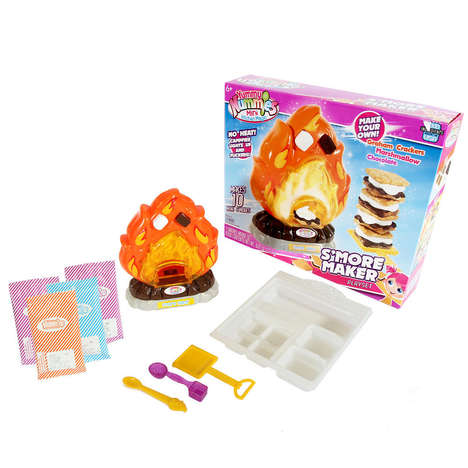 Heatless Campfire Food Toys - This Children's Toy Set Helps Kids to Make S'mores Indoors