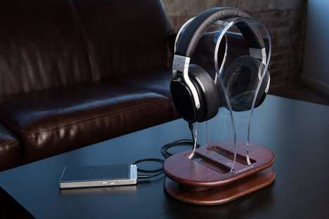 Music-Upgrading Portable Amplifiers - The Oppo Portable Headphone Amplifier Richly Enhances Tunes
