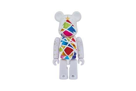 Holiday-Themed Bear Collectibles - These New Medicom Toy Bearbrick Models Feature Christmas Trees