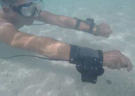 Powered Snorkeler Propellers - This Wrist-Mounted Propeller System Provides Swimmer Propulsion