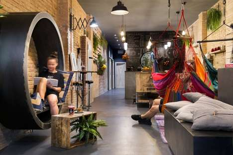 Hammock-Filled Juiceries - The 'Hammock Juice Station' is a Cafe That Allows Customers to Lounge