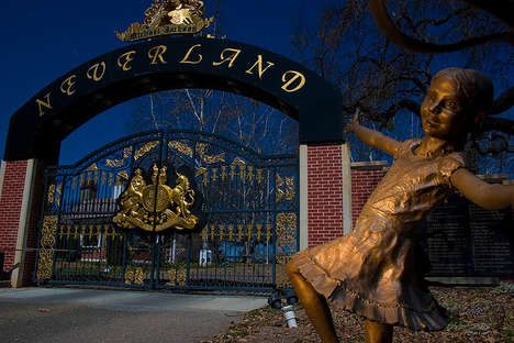 Abandoned Celebrity Ranch Photography - Michael Jackson's Neverland was Lensed by Four Photographers