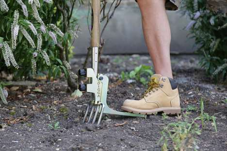 Gardening Tool Extensions - The Kikka Digga Makes Common Gardening Tools More User Friendly