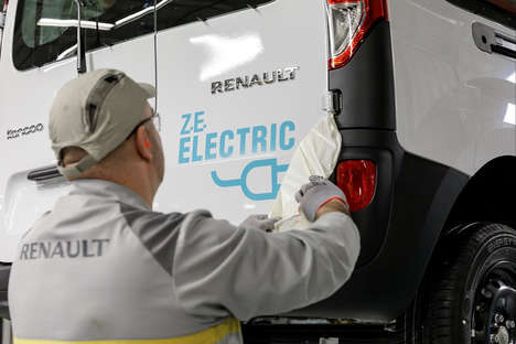 All-Electric Transport Vans - The Renault Master ZE is a Cleaner and Quieter Option for Cities