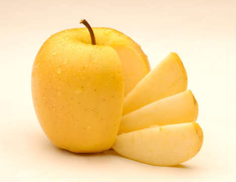 "Non-Oxidizing Apples - Okanagan Specialty Fruits' Golden Delicious Apples are ""Nonbrowning"""