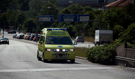 Radio-Interrupting Ambulances - This Emergency Vehicle Alert System Hijacks Car Radios in Sweden