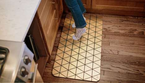 Anti-Fatigue Floor Mats - The Sitskie 'Airea' Wood Mat Undulates to Ensure Optimal Comfort