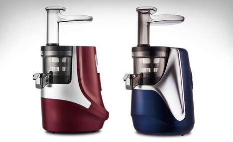 Squeeze-Mimicking Juicers - The Hurom Giugiaro Design Slow Juicer Operates Slowly and Quietly