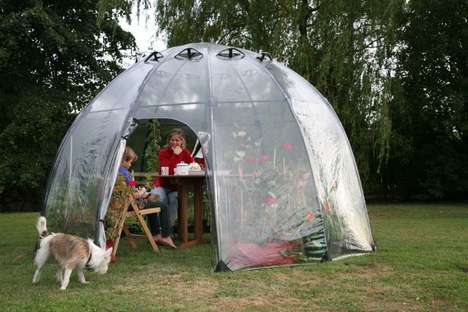 Portable Backyard Greenhouses - The Haxnicks 'Sunbubble' Greenhouse is Quite to Assemble and Use