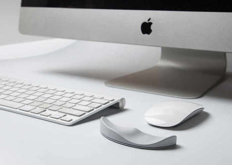 Ergonomic PC Wrist Supports - This Ergonomic Mouse Pad Conforms to the Natural Contours of the Wrist
