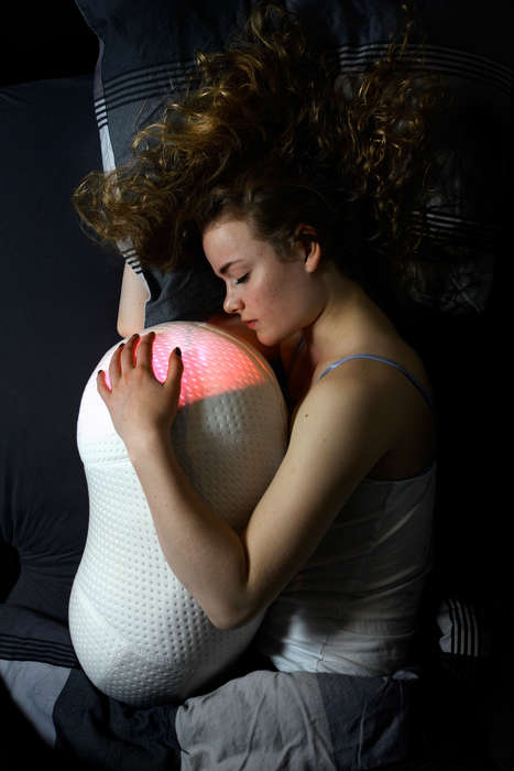 Aspirating Robotic Pillows - The Somnox Pillow Gentle Mimics Inspiration to Help People Sleep
