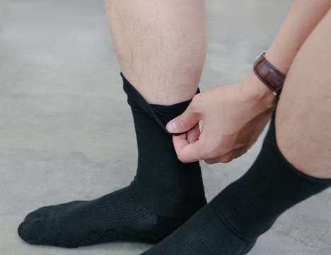 Shock-Absorbing Antibacterial Socks - The 'Neverquit' Next-Generation Everyday Socks Keep Feet Comfy