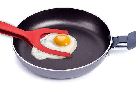 Gripping Egg Spatulas - This Kitchen Spatula Slips Under Foods and Grabs on Tightly