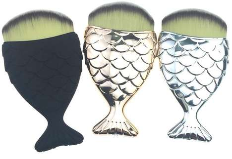 Fish-Shaped Cosmetic Brushes - Mermaid Salon's Unique Makeup Brush Boasts a Novel Paddle Handle