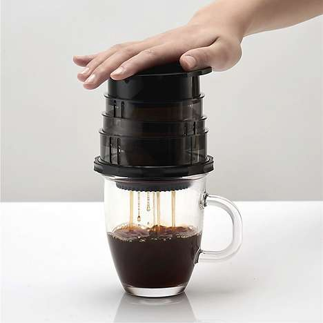 Manual Power Coffee Brewers - The Cafflano 'Kompact' Hot and Cold Coffee Brewer is Simple to Use