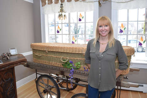 Natural Burial Boutiques - 'Dying to Bloom' Helps Consumers Host Green Burials