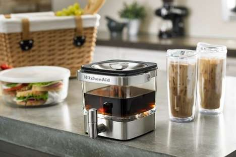 Top 25 Kitchen Ideas in May - From Dual-Sided Breakfast Appliances to Non-Oxidizing Slow Juicers