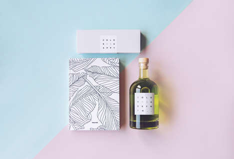 Color-In Alcohol Gifts - This Gift Set Pairs a Bottle of Absinthe with Colored Pencils and a Book