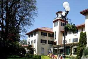Historic Landmark Pacific Northwest Hotel Closes Doors