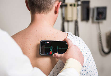 Smartphone Stethoscope Cases - The 'Steth IO' Case Works in the Same Way as Medical Stethoscopes