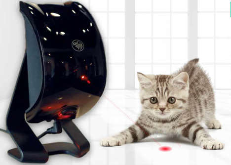 Randomized Smart Pet Toys - The 'Felik' Intelligent Toy for Cats and Dogs Reacts to a Pet's Actions