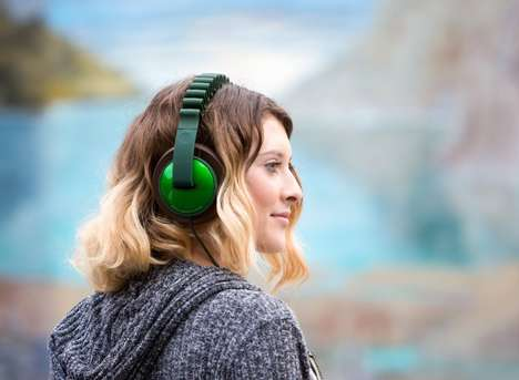 Ergonomic Fit Headphones - The 'InnoWave' Headphone Headband Adapts to the Shape of Your Head