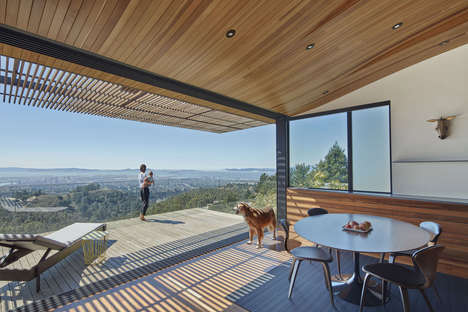 Precipitous Home Patios - Skyline House Offers a Patio That Appears to Extend Into the Air