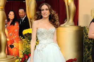 White, Shimmering Gowns Triumph At The 2009 Awards
