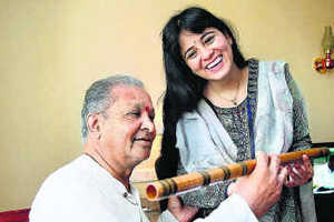 Classical Flute-Playing by Maestro Hariprasad Chaurasia