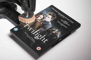 'Twilight' DVD Launches With 'Autobite' for Fans