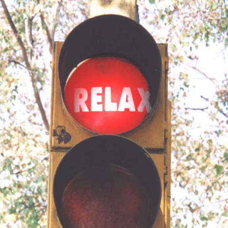 Stop & Relax - Traffic lights in New Delhi