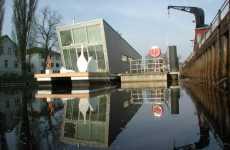 Loft-Style Houseboats