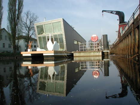 Loft-Style Houseboats - The SchwimmHausBoot Could Be The Future of Urban Living (UPDATE)