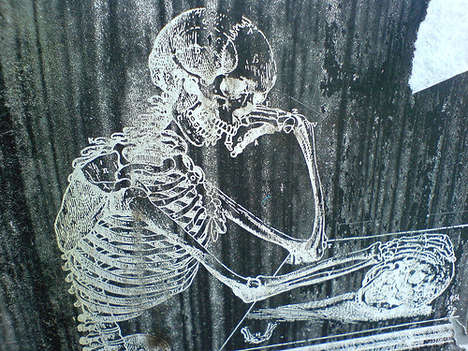Skeleton Street Art