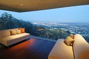 Hollywood Hills Estate Maximizes Stunning Skyline Views