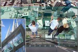 Sears Tower in Chicago to Open Glass Bottomed Sky Deck