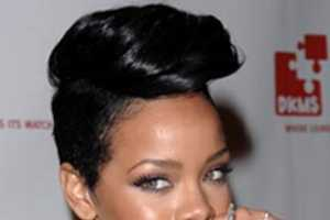 (Fake?) Rihanna Photos Leaked Are Dull Compared to Her Twinkling New Ring