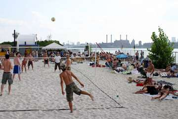 Urban Beaches - Sandy Summer Oases for City Dwellers Around the World