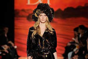 Crafty Headgear Topped Off Diane Von Furstenberg's Fall 2009 Show
