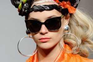 Danielle Scutt Shows Towering Hair Accessories for Fall