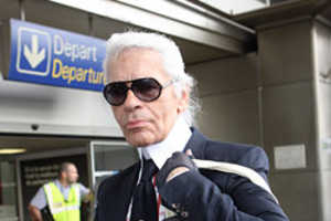 Chanel's Lagerfeld Says 'Karl Who?' With Tote Bag