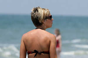Kate Gosselin Gets Media Attention in Tiny Beach Bikini