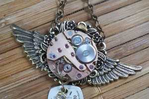Simply Willow has a Vintage-Style Collection of Antique Necklaces