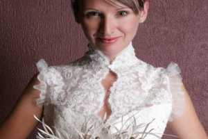 Emplume's Couture Plumed Wedding Accessories for Avant-Garde Brides